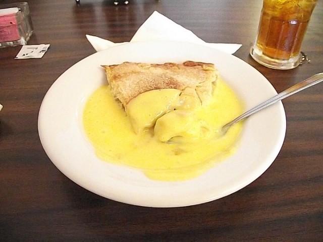 Apple Pie with English Custard
