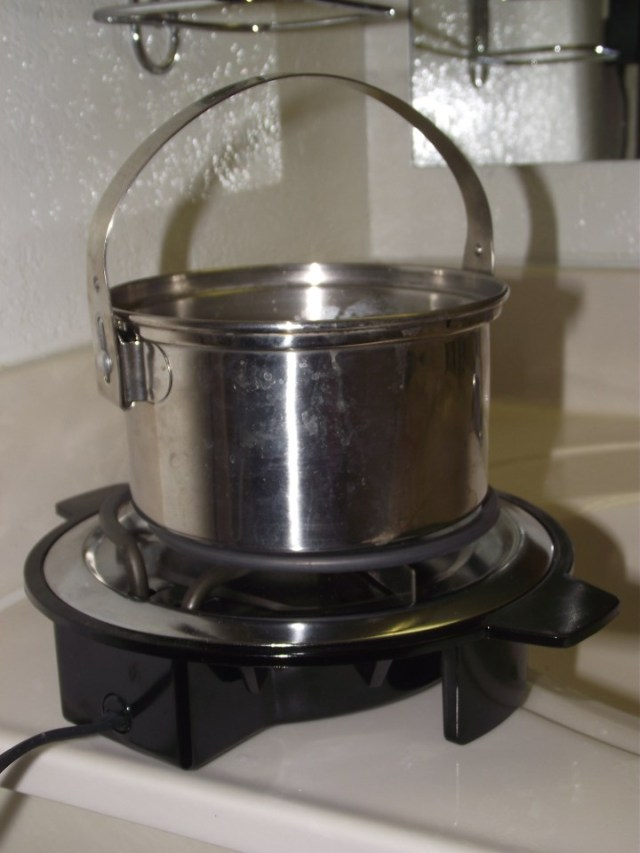 Billy Pot and Single Electric Burner